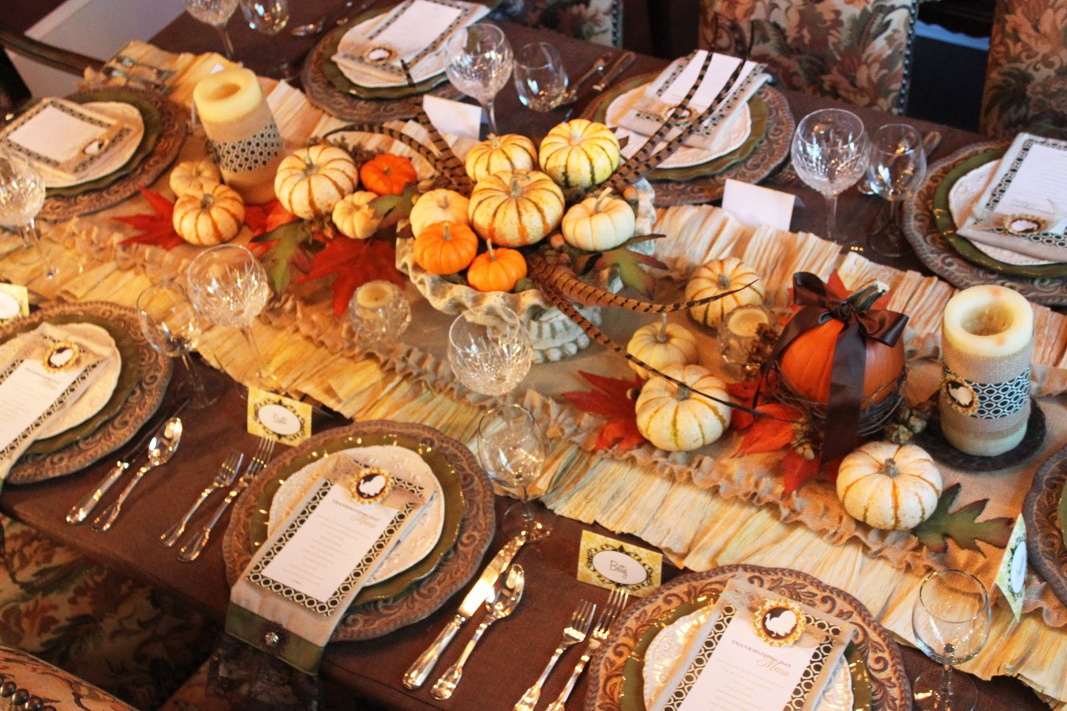DIY Setting The Thanksgiving Table