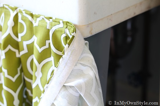 9. Attach The Other Side Of Velcro To The Edge Of The Tub Bottom Or  Tabletop Edge. Use Tacky Glue To Make Sure The Velcro Is Attached Well.