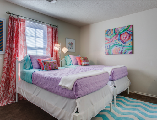 """""""A Colorful Home"""" Dallas Chapter"""